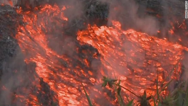 cnni cabrera lava threatens hawaii town_00001029.jpg