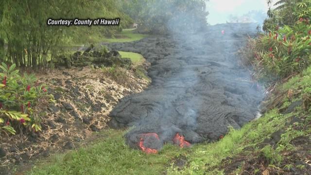 cnnee pahoa hawaii lava flow_00004519.jpg
