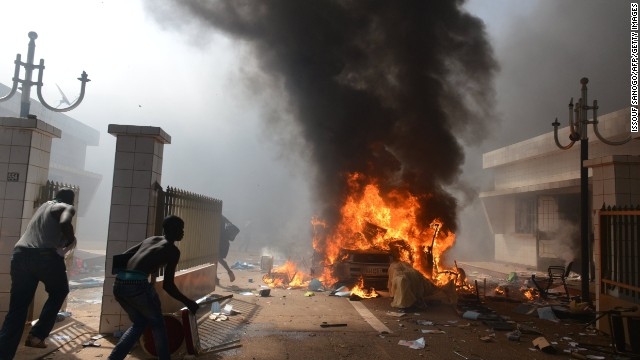 Protesters burn Burkina Faso parliament