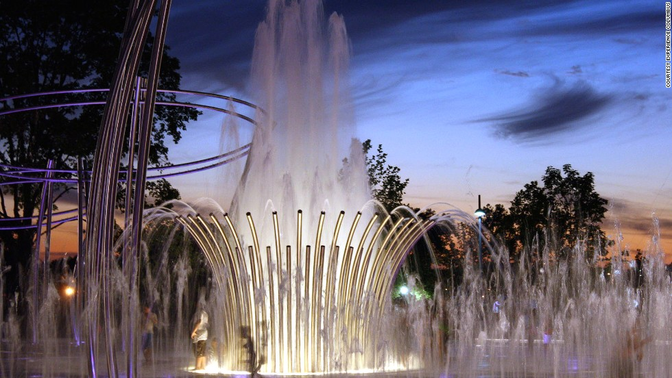 In Columbus, Ohio, Scioto Mile Fountain features five stainless-steel halo structures with 1,100 fog nozzles.