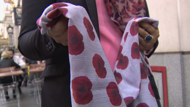 pkg shubert uk poppy hijab_00015124.jpg