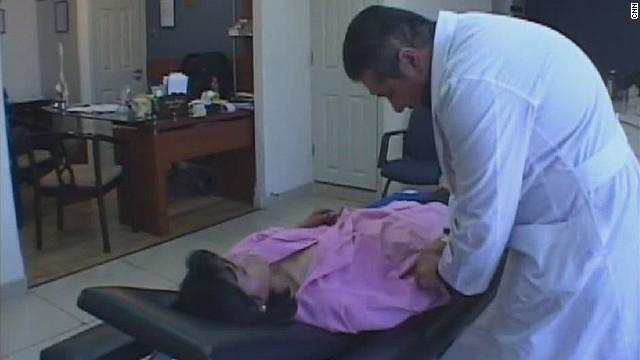 cnnee carrasco bolivia doctor_00012206.jpg