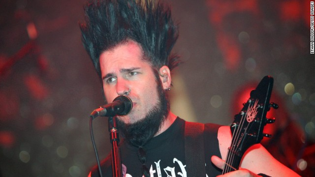Wayne Static performs during a 'Saw III' soundtrack release party in October 2006 in Las Vegas, Nevada.