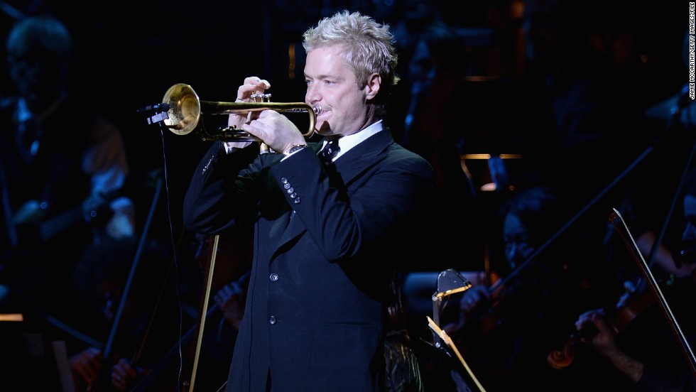 "Chris Botti's November 3 performance of the national anthem during a ""Monday Night Football"" game left one Indianapolis Colts player in tears, with viewers at home calling it one of the best they've ever heard."