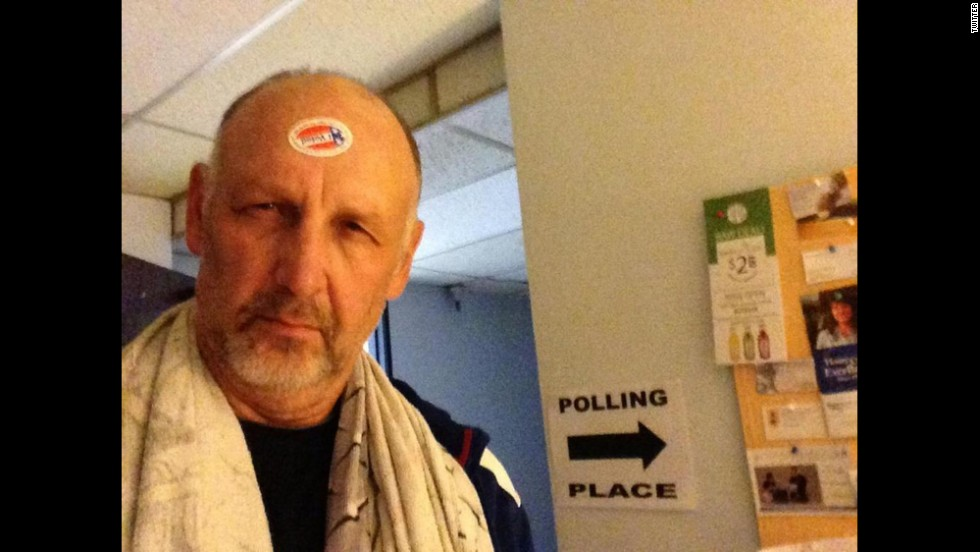 "Actor Nick Searcy <a href=""https://twitter.com/yesnicksearcy/status/529676317927940096"" target=""_blank"">tweeted this photo</a> -- and some choice words for Democrats -- after voting."