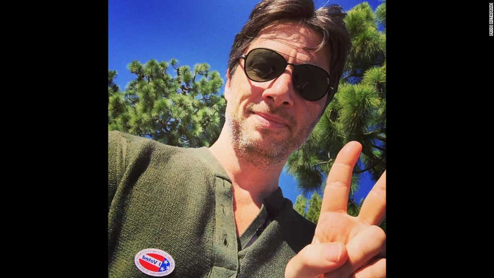 "Actor Zach Braff <a href=""http://instagram.com/p/u_PEmLP_EG/?modal=true"" target=""_blank"">posted this selfie</a> to Instagram. No caption needed."