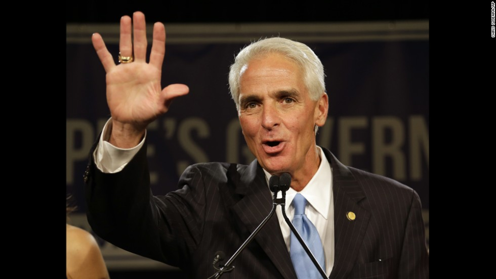 Crist waves to a crowd of supporters after delivering his concession speech in Tampa, Florida, on November 4.