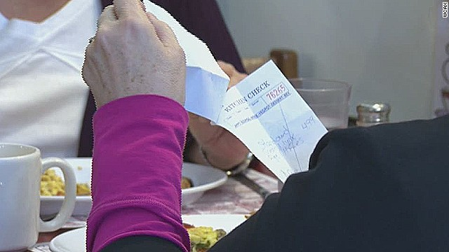 pkg nurse buys family meal 50 people pay it forward_00012123.jpg