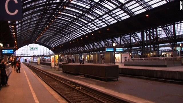 pkg pleitgen germany rail strike_00003224.jpg