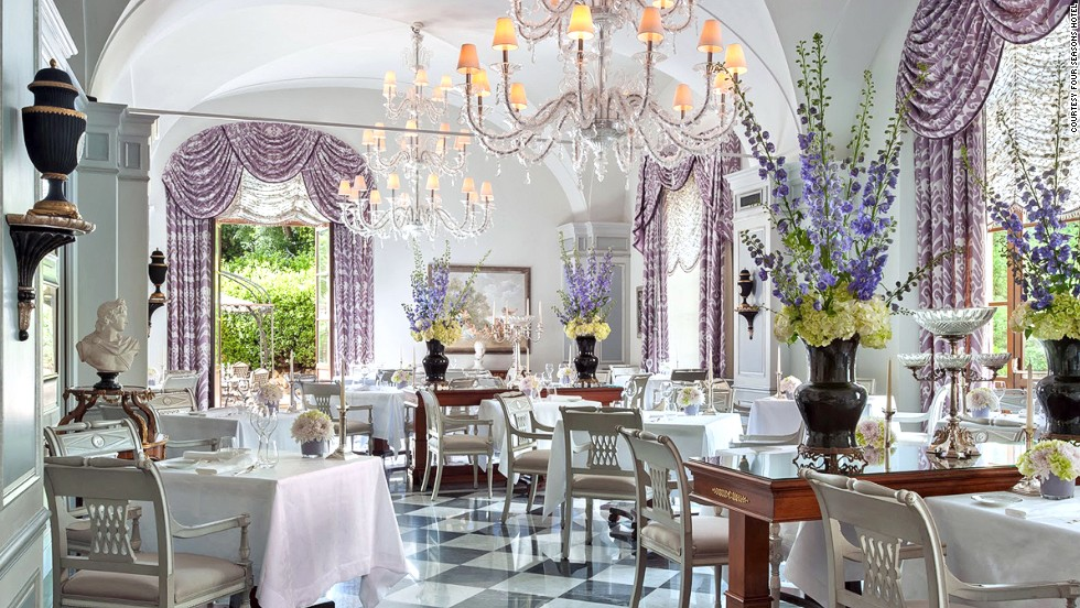 The Four Seasons Hotel Firenze is home to the Michelin-starred Il Pilagio restaurant. It features views of the hotel's inner gardens and offers a seasonal menu featuring regional cuisine.