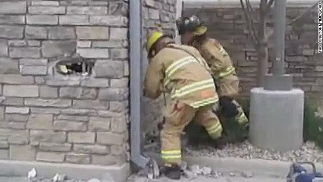 pkg man trapped in wall for 3 days_00001911.jpg