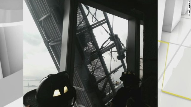 nr myers scaffold workers dangling nyc wtc_00022419.jpg