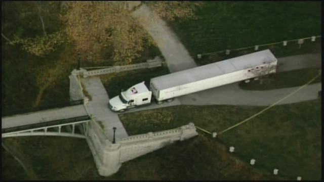cnnee milwaukee semi truck stuck on old bridge_00001623.jpg