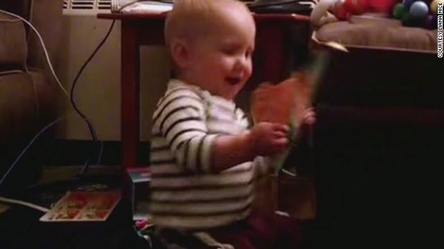 erin pkg moos baby dancing birthday card_00001617.jpg
