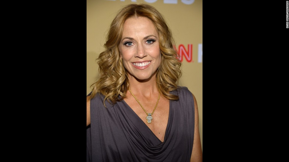 Singer Sheryl Crow will be performing on stage with Top 10 CNN Hero Arthur Bloom and the MusiCorps Wounded Warrior Band.