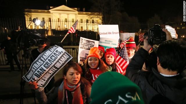 Obama unveils new immigration plan