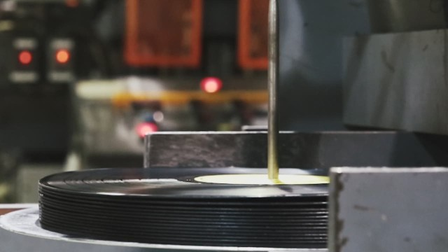 Watch how vinyl records are made