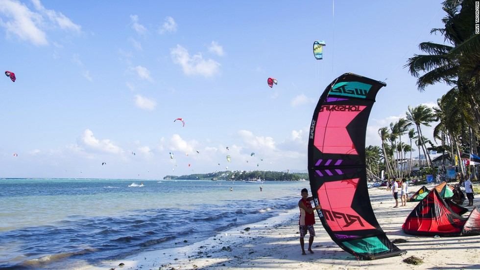 The 2.5-kilometer Bulabog Beach welcomes a blustery monsoonal wind from November to April and is an ideal place for kite boarding and windsurfing.