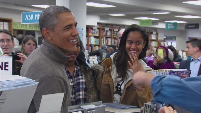 obama passes on book about barack obama_00003002.jpg