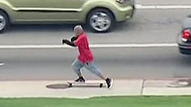 erin pkg moos skateboard police chase _00004423.jpg