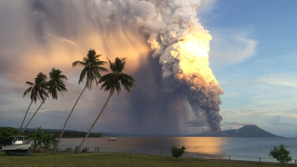 "<strong>August 29: </strong>Mount Tavurvur erupts in Papua New Guinea. <a href=""http://www.cnn.com/2014/08/29/world/asia/papua-new-guinea-volcano/index.html"">The volcano spewed a thick tower of ash</a> that reached as high as 60,000 feet above sea level."