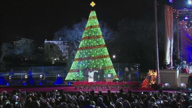 obama family national christmas tree lighting_00004722.jpg