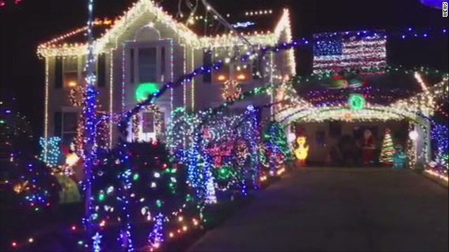 dnt house has 45000 christmas lights_00002126.jpg