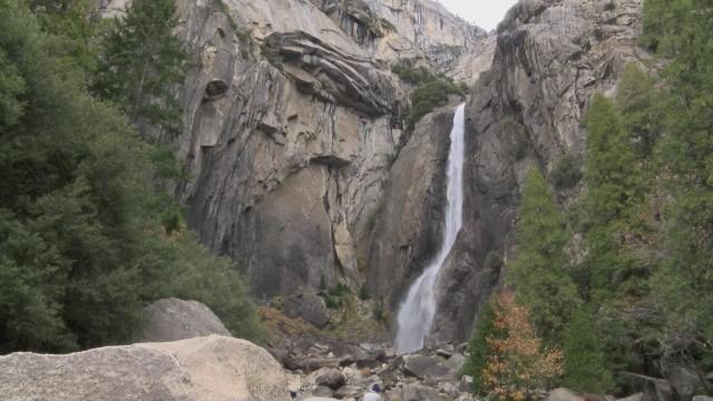 dnt ca waterfalls flowing again at yosemite_00000514.jpg