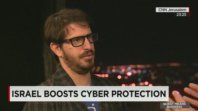 qmb mobli cyber hacking_00010006.jpg