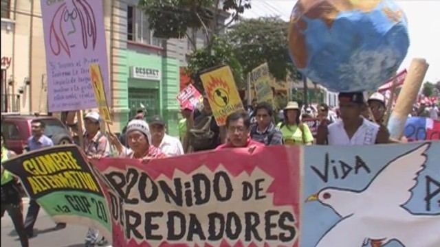 cnnee belaunde peru climate rally_00001218.jpg
