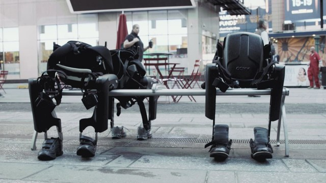 cnnee crane rewalk exoskeleto_00001314.jpg