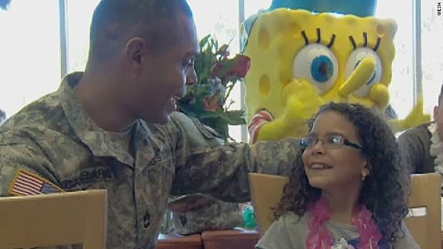 dnt soldier surprises daughter orlando resort_00010724.jpg