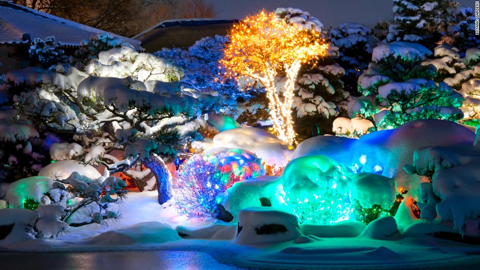Best places to see christmas lights from d c to las vegas for Best places to visit for christmas in usa