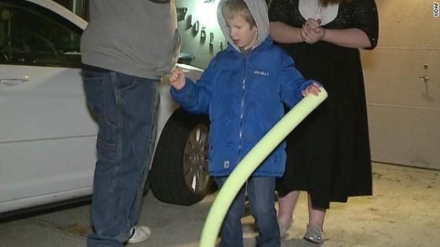 dnt blind child's cane taken_00013710.jpg