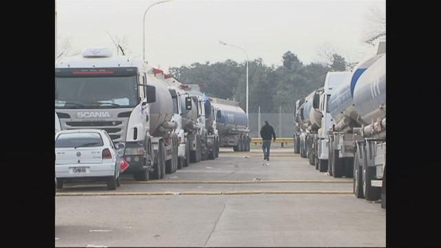 cnnee argentine truck drivers protest _00004017.jpg