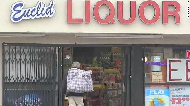 nr homeless man gets money liquor store_00004722.jpg
