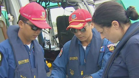 pkg hancocks rough weather hinders airasia search_00000327