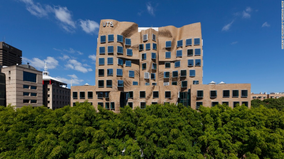 """Legendary architect Frank Gehry <a href=""""http://www.theguardian.com/artanddesign/2014/oct/24/frank-gehry-journalist-finger-architecture-shit"""" target=""""_blank"""">condemned 98% of modern architecture as """"pure shit"""" </a>this October. So, all eyes are now turned to his latest creation: <a href=""""http://www.dailytelegraph.com.au/newslocal/inner-west/australias-first-frank-gehry-designed-building-on-broadway-completed-ahead-of-2015-opening/story-fngr8h4f-1227129722798?nk=ce12bc9fbfc5a605b10551744acf6c63"""" target=""""_blank"""">a """"paper bag"""" business school</a> at the University of Technology Sydney."""