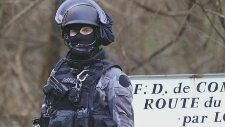 ac dnt cooper paris attack manhunt tick tock_00014012