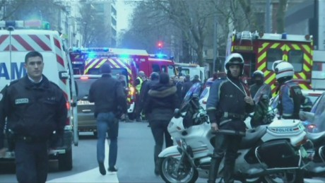 cnnee valdes pkg on paris terror_00012203