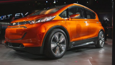 cnn$ chevrolet volt and bolt plugin cars debut at detroit auto show_00001004