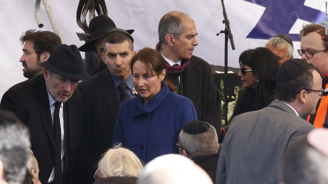 French Minister of Ecologie Segolene Royal (dressed in blue) joins mourners in Jerusalem.