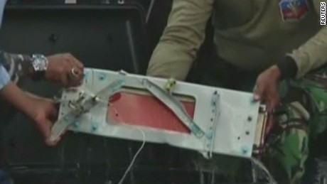 lead dnt marsh airasia black boxes recovered_00000905.jpg