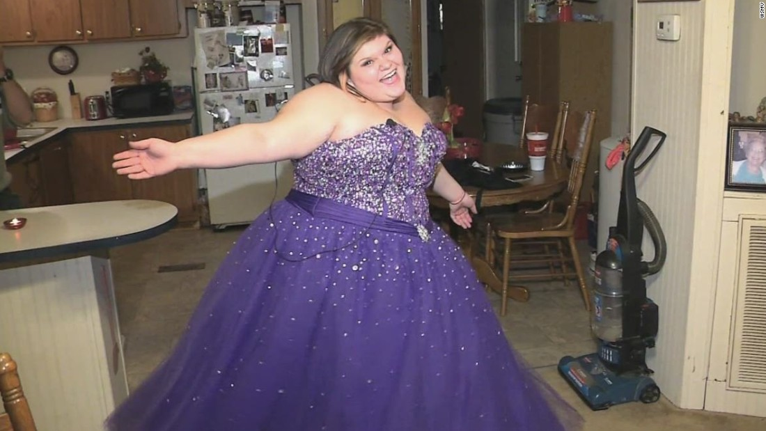 Teen fat-shamed when she tried to sell prom dress - CNN Video