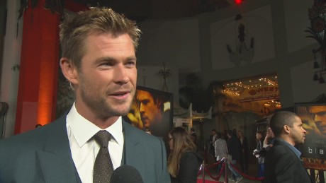 red carpet report chris hemsworth blackhat_00004216