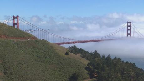 Golden Gate Bridge movable barrier orig_00000000