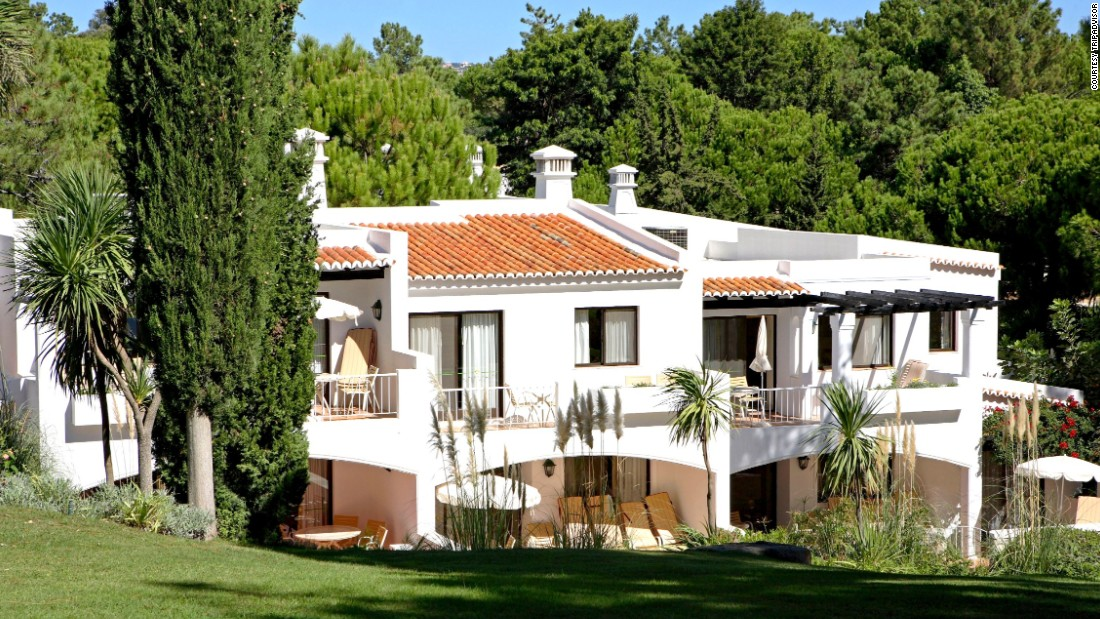 "The <a href=""http://www.fourseasonscountryclub.com/en/home.aspx"" target=""_blank"">Four Seasons Country Club</a> is situated among 17 acres of private gardens on the Quinta do Lago estate in Portugal's sun-splashed Algarve region. Nightly rates average about $210 for 2015, with rates starting low in January at about $150."