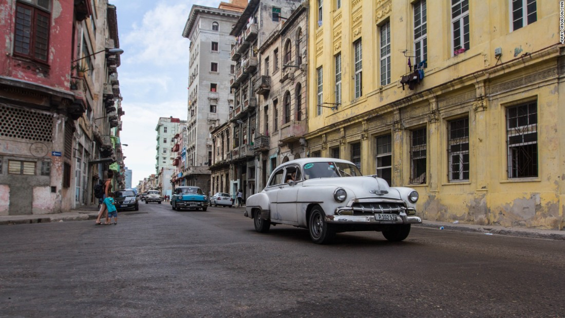 "Cuban author Pedro Juan Gutierrez has spent three decades watching -- and writing about -- the streets of what he calls Central Havana's ""dirty"" reality."