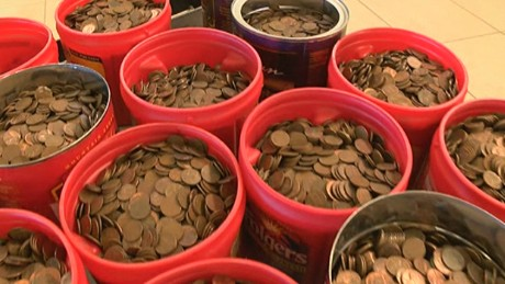 dnt kcbd 500 lbs of pennies_00003230.jpg