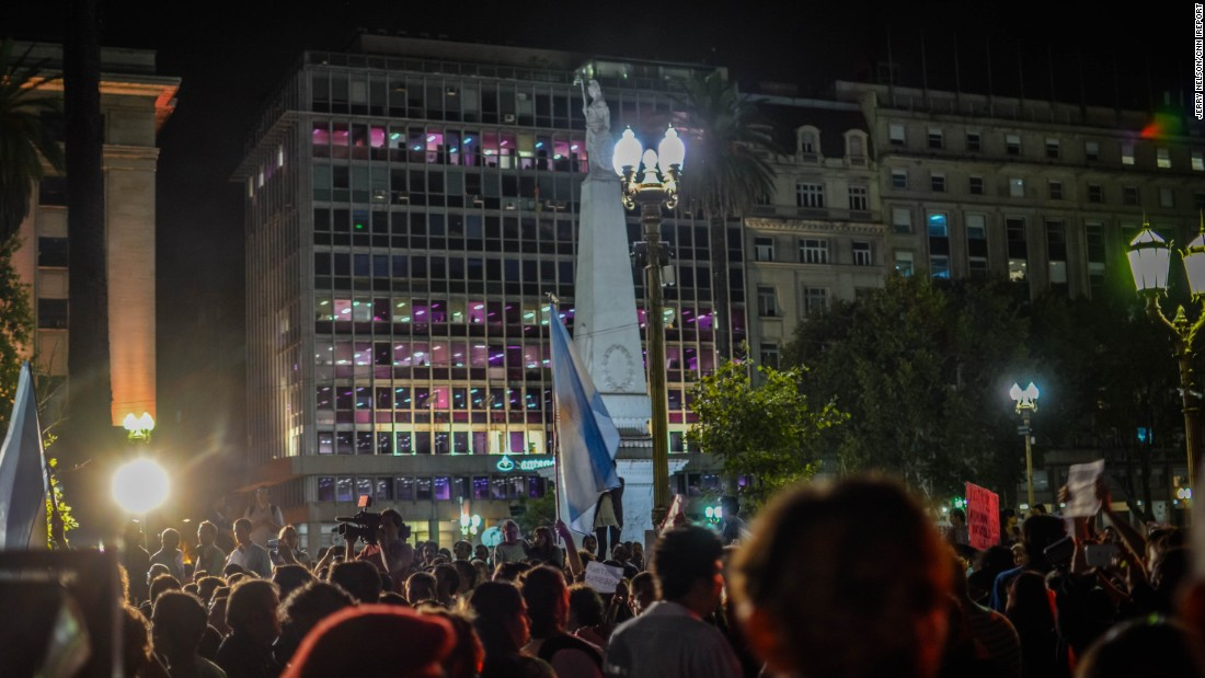 "Protesters in Buenos Aires are alleging a government cover-up in the mysterious death of prosecutor Alberto Nisman, who was <a href=""http://www.cnn.com/2015/01/19/americas/argentina-alberto-nisman-dead/index.html"">found dead in his apartment</a> Sunday."